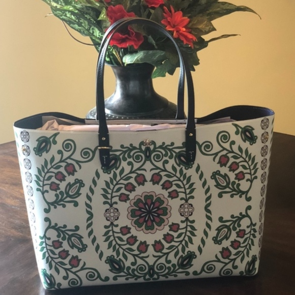 c0fa87943111 TORY BURCH Kensington Tote Garden Party